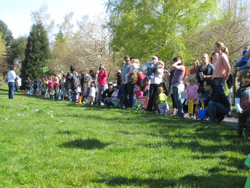 Ravenna-Eckstein Community Center Spring Egg Hunt starting line in 2011.