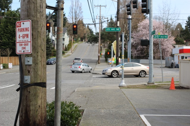 Intersection of 25th Avenue NE and NE 75th Street, looking east.